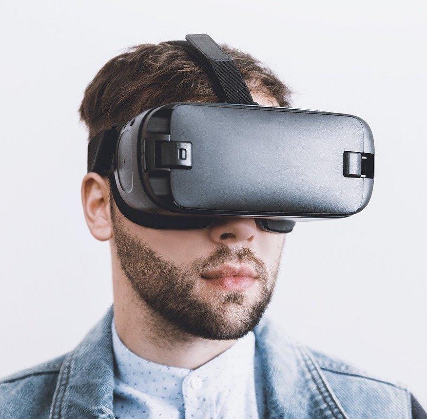 Virtual Reality: Custom Builds